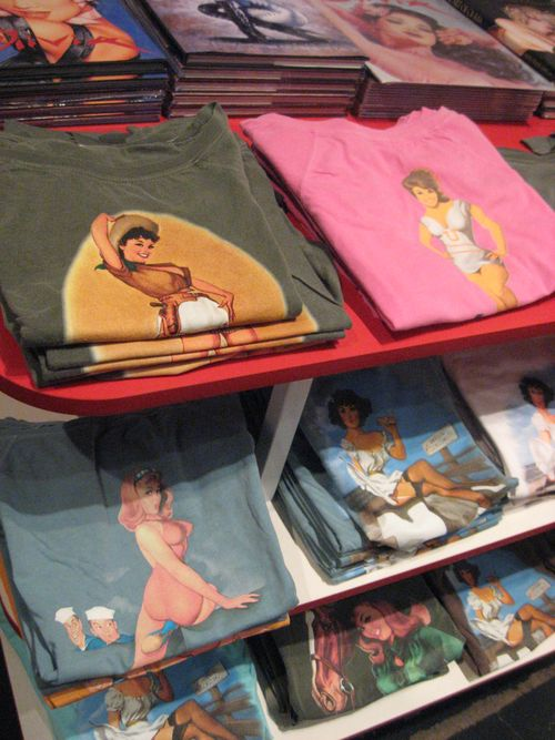 Pin-up T-shirts
